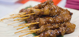 Brocheta de pollo teriyaki